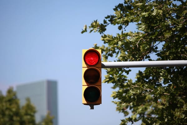 Situational Awareness red-traffic-light-intersection